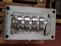 Mold bulkhead